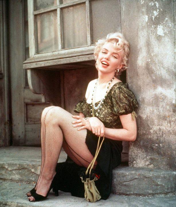 BUS STOP with Marilyn Monroe - The Muirhead Gallery
