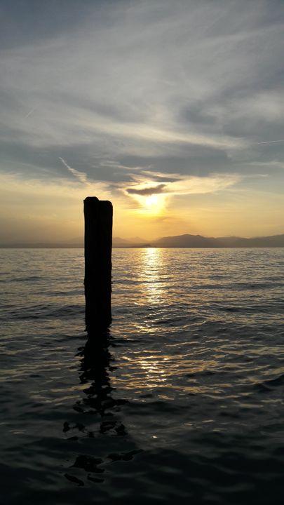 Alone on the lake - LaMa