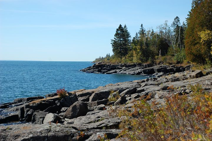 Hints of Fall on the North Shore - NorthShoreSDT
