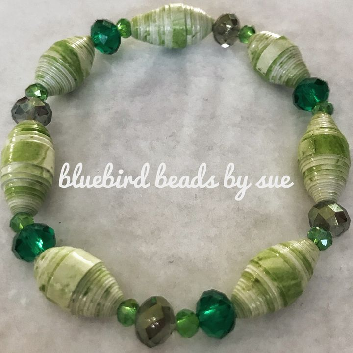 Green, elastic, paper bead bracelet - Bluebirdbeadsbysue