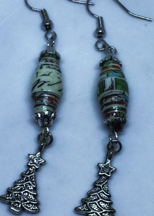 Christmas tree earrings - Bluebirdbeadsbysue