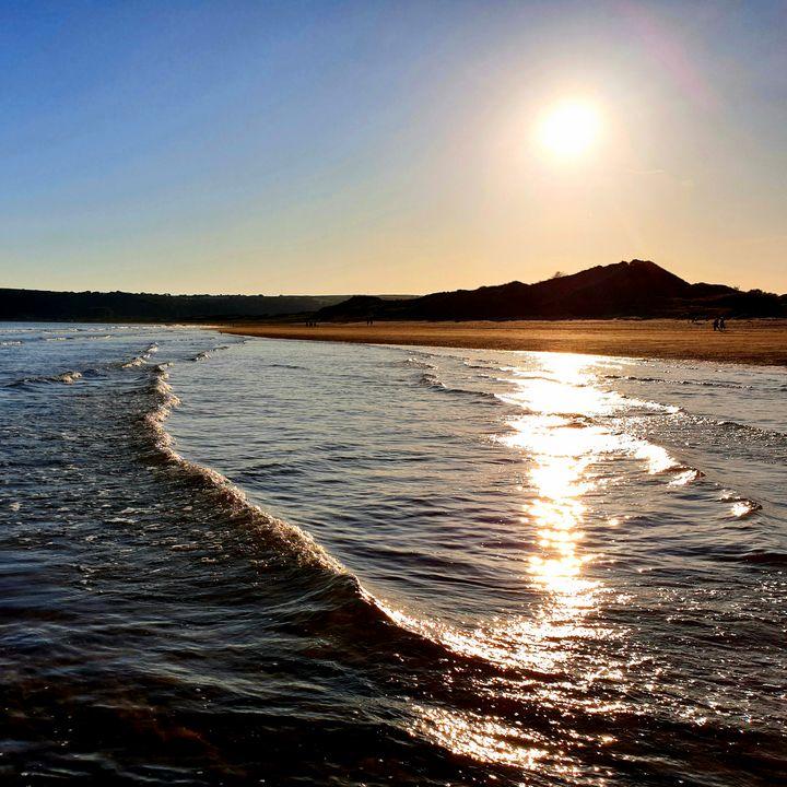 Beach Sunset - Jamie Pedro