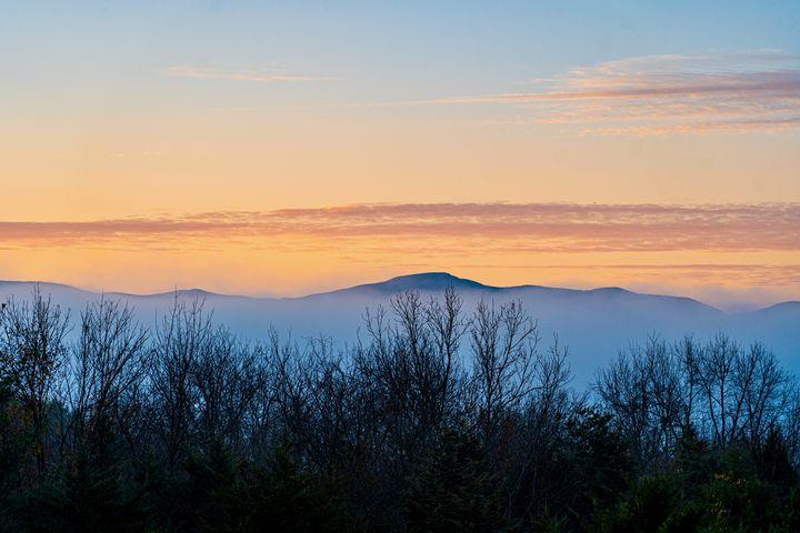 Blue Ridge Sunrise - Aaron Schantz Photography