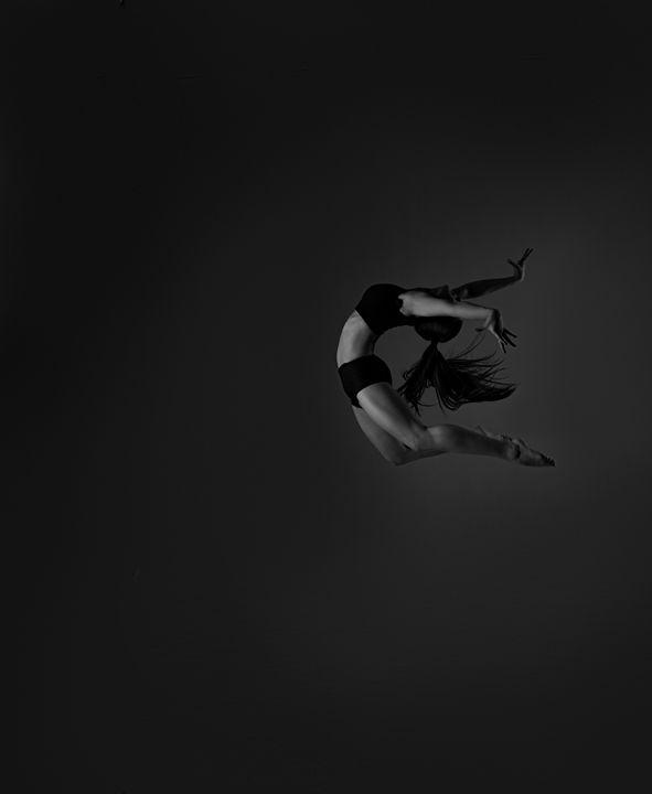 jump dancer - yuhymuk