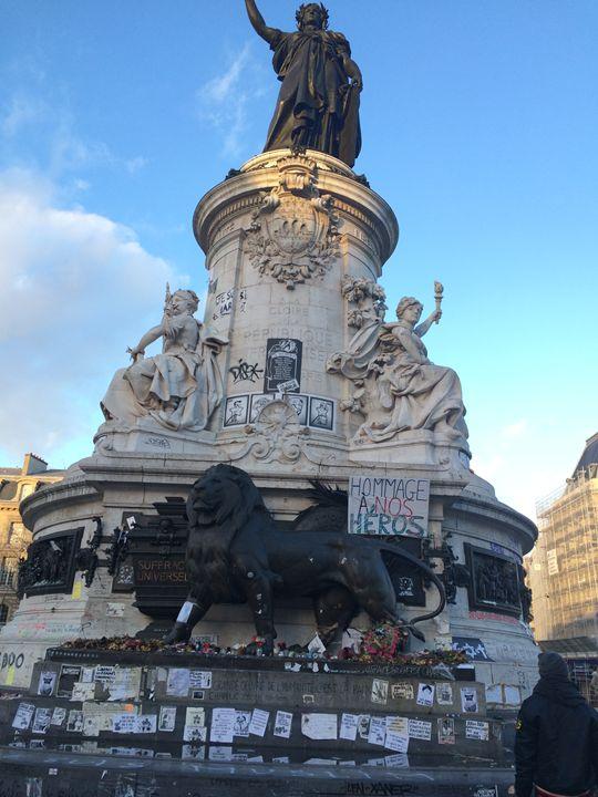 Hommage-Paris - TheCoCoCompany