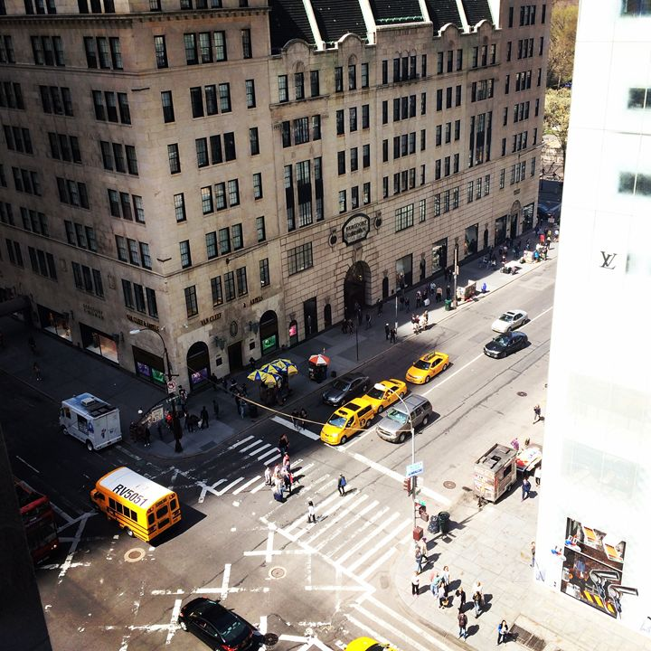 Hustle and Bustle-New York - TheCoCoCompany
