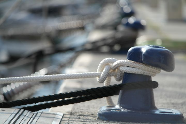 Yacht Cleat - T.Lancelot photography