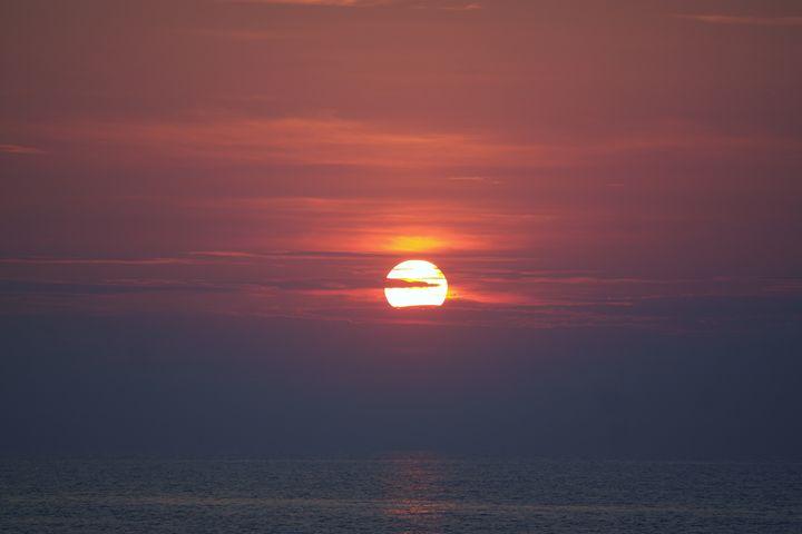 Sunset at sea - T.Lancelot photography