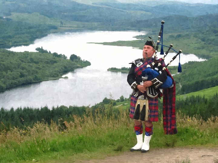 Highlander playing on bagpipe - John Tiberius aka Johny Rebel