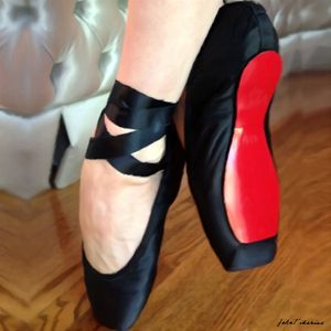 Black ballerina flats