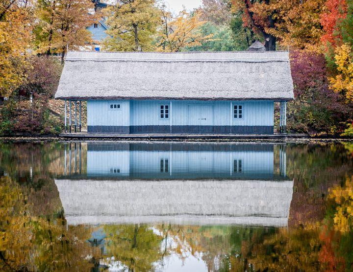 Blue house - Vrabiuta Albert