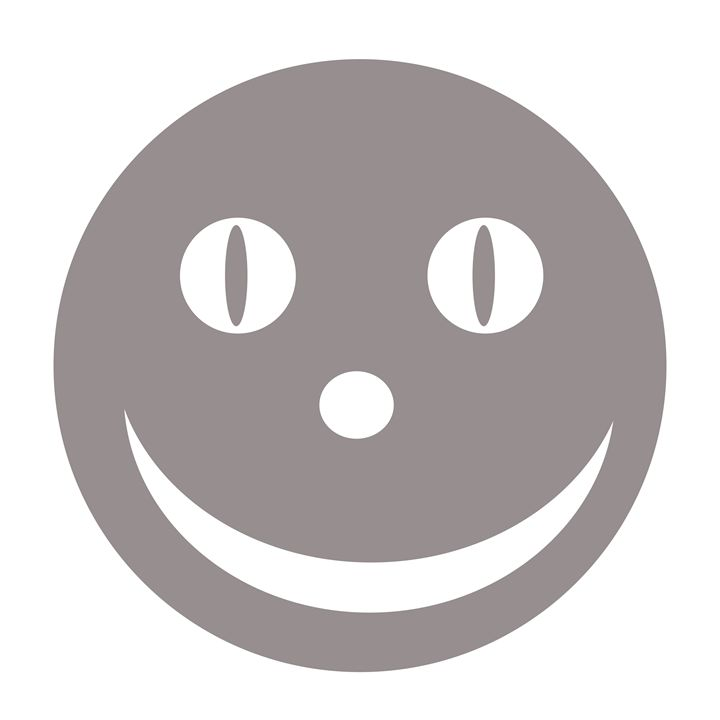 Large Silver Happy Face - Laura Nybeck's Art