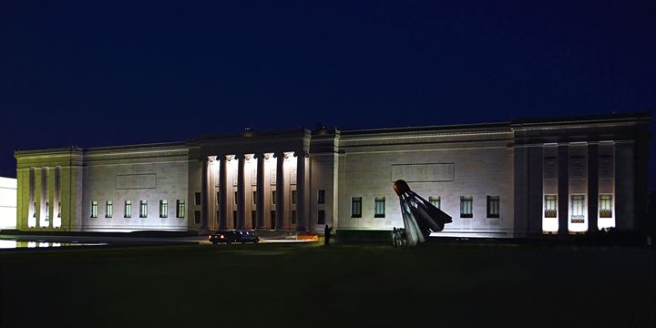 Limousine at the Art Museum - Catherine Sherman