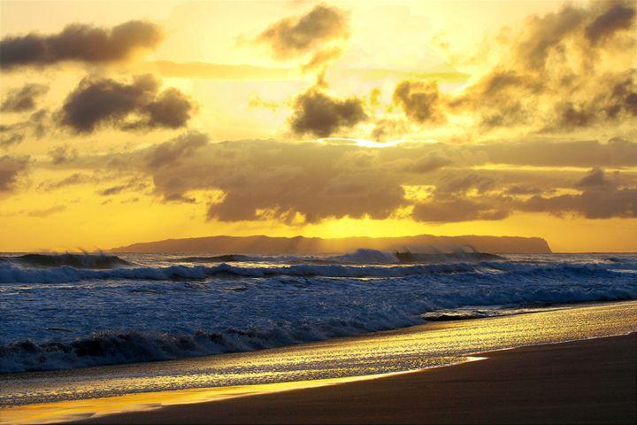 Huge Waves Crashing on Kauai Beach - Catherine Sherman