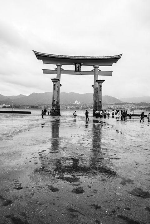 Tojii Arch in Miyajima - Renato Navarro Photography