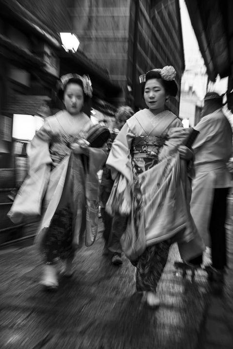 Geishas in Kyoto - Renato Navarro Photography