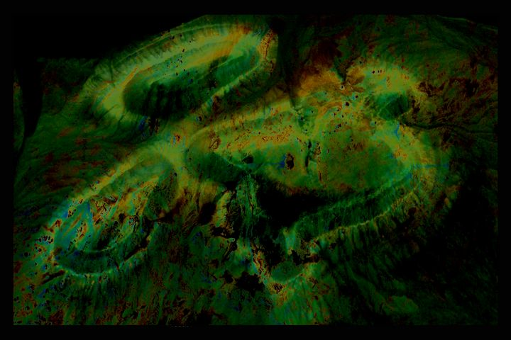 greenish contours 01 - Figments of my Pigments, my Imagination