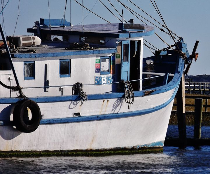 SHEM CREEK SHRIMPER - C. A. Cerreto Art & Photography