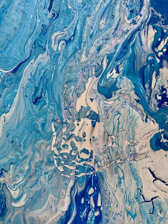 A poured Ocean - Elle Delaney