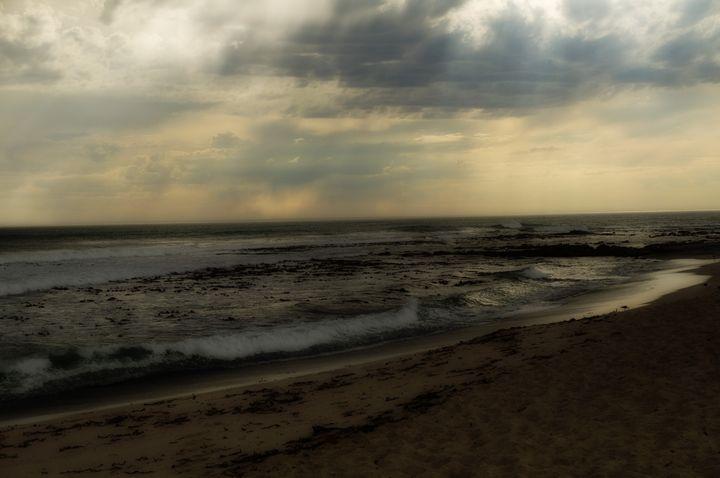 Breaking waves - Sarah-Jane Photography