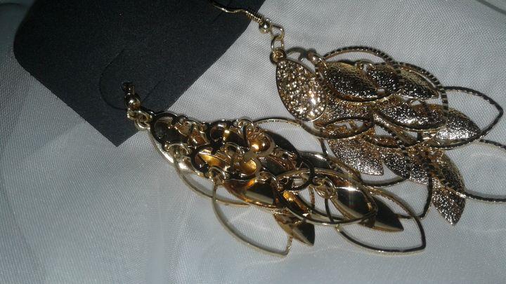 earrings - M