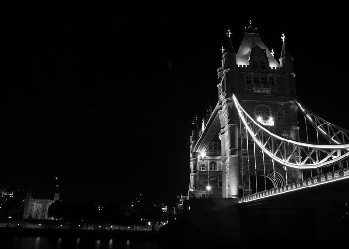 Tower of London and Tower Bridge - Gav Argent Photography