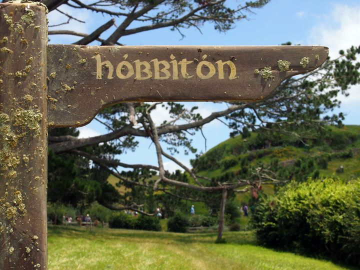 HOBBITON this way - Hobbiton, Matamata, New Zealand