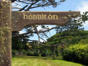 HOBBITON this way