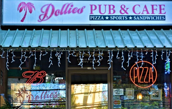 Dollies Pub and Cafe - Richard W. Jenkins Gallery