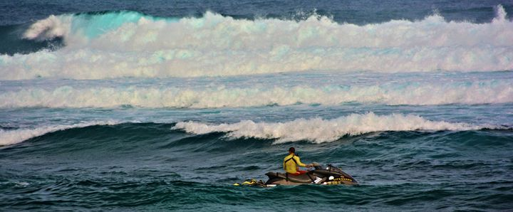 Rescue on Maui - Richard W. Jenkins Gallery