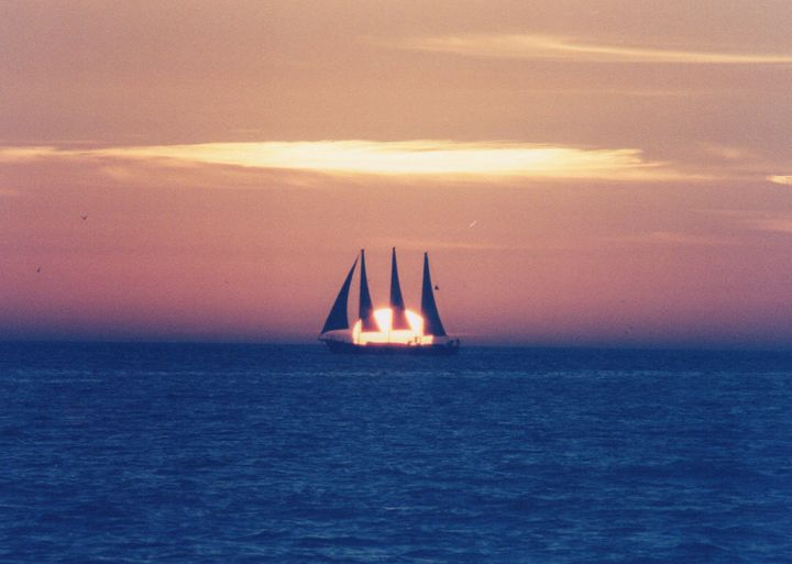 Sailing at Sunset - Carlos' Art Works