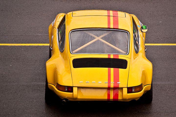 Yellow Porsche 911 - Transchroma Photography