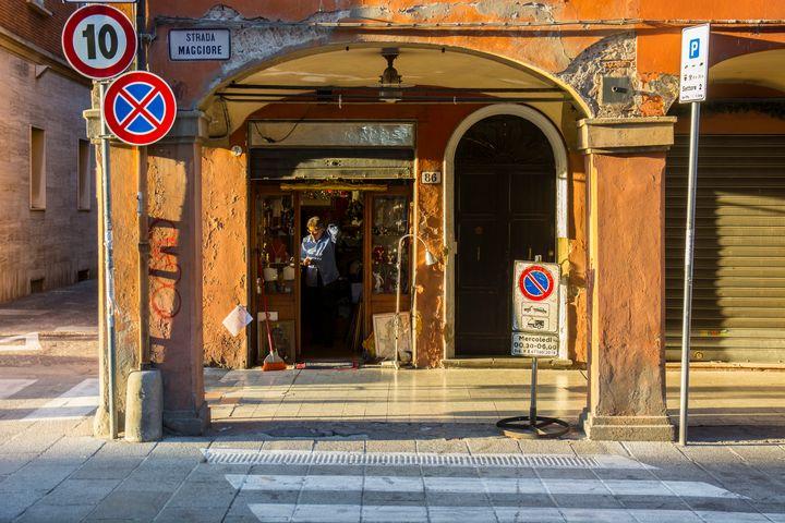 Bologna Shopfront - Transchroma Photography
