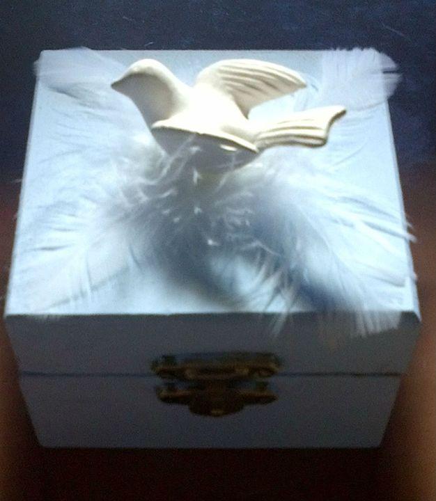 baby blue dove box - Fletcher's Fantasy Art and Accessories
