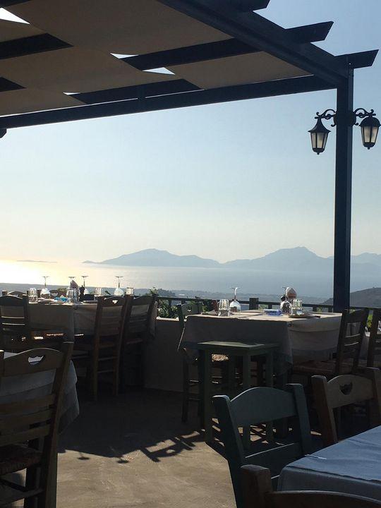 Greek Taverna - Robinosc
