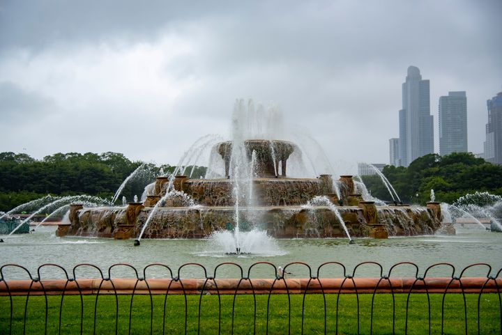 Buckingham Fountain - J Mendoza