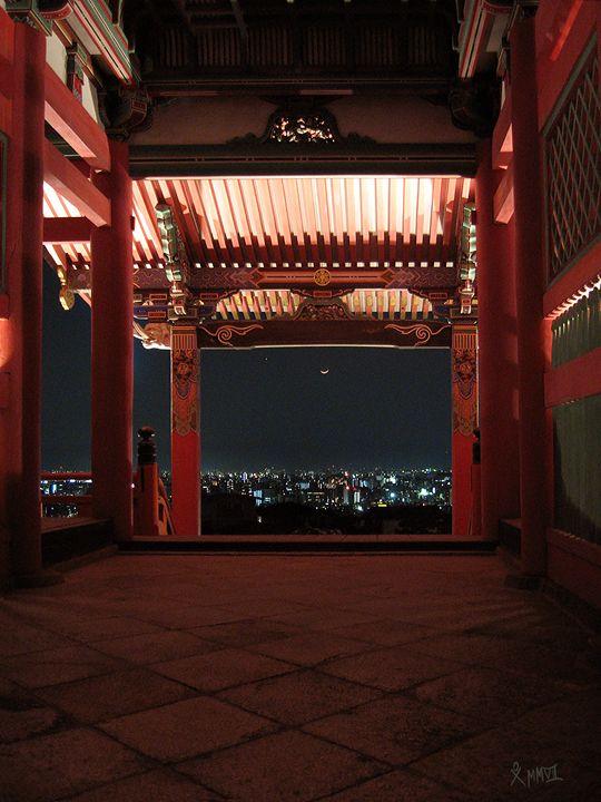 Moon over Kiyomizu Dera - G.S. Davis Art