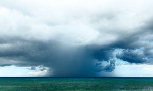Hawaii: Lurking Storm - Raymond Enriquez