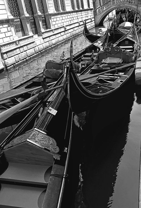 GONDOLA LINE by Carla Pivonski - Carla Pivonski® Fine Art Photography