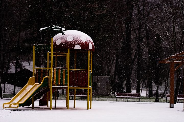 No Kid,No Play.Winter in a kid playg - my point of view