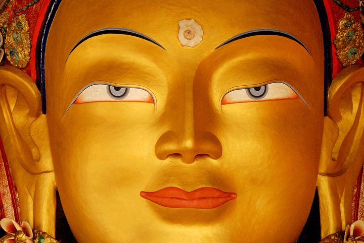 buddha statue at thiksey - easywind