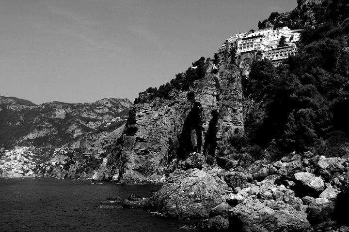 Praiano Beach in Black and White - Bentivoglio Photography