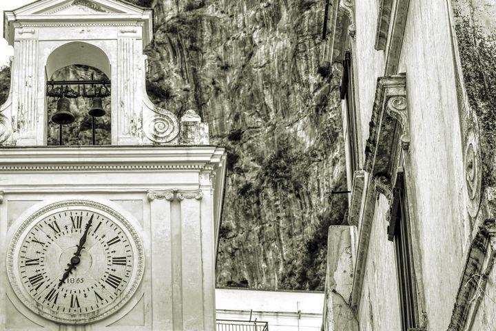 Church Clock - Bentivoglio Photography