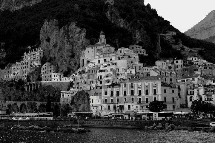 Ancient Village in Black and White - Bentivoglio Photography