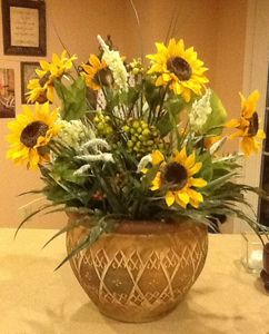 CLAY POT FLORAL ARRANGEMENT