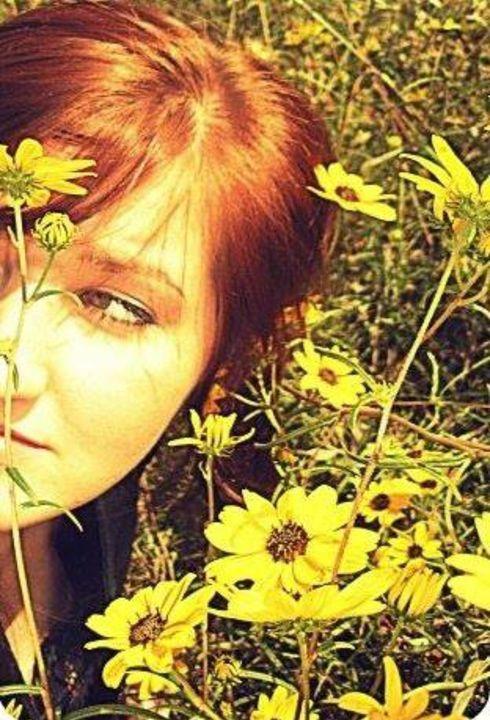Black Eyed Susan - Tarisa Smith