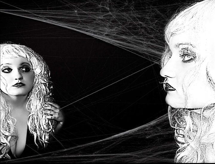 Mirror Mirror - Tarisa Smith