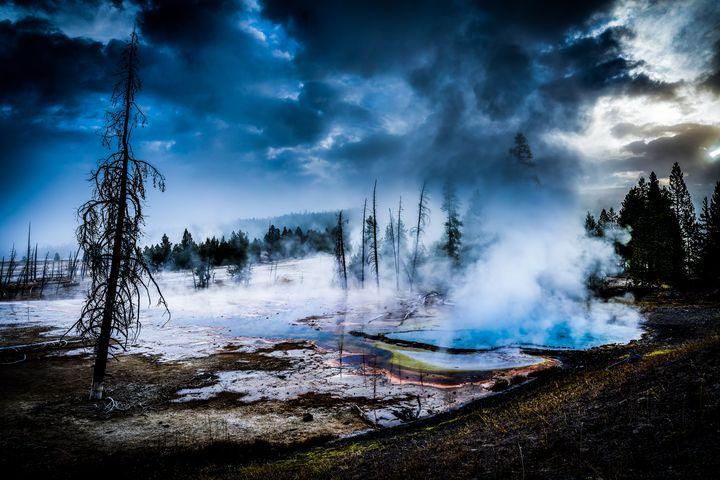 Yellowstone Geyser - DangersTeez Digital Art