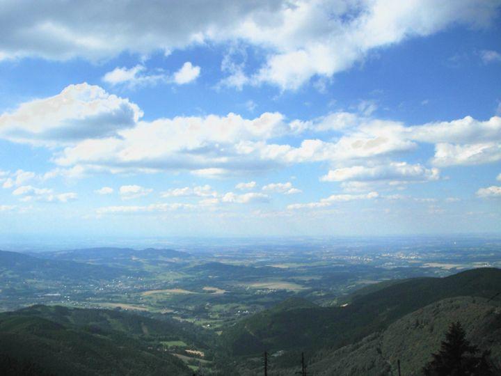 Mountain tops & Blue skies - Beautiful World