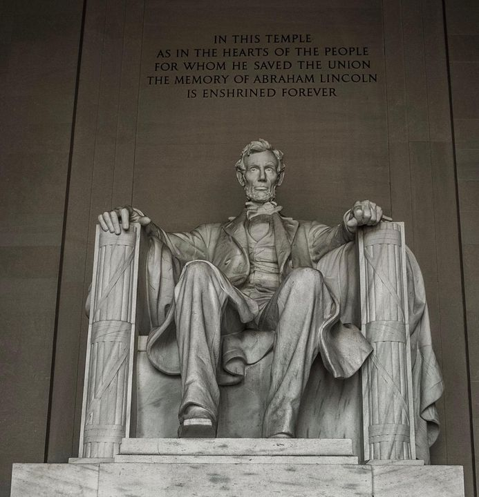 Lincoln Monument - Photography By Helen
